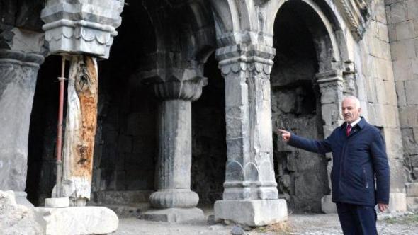 Erzurum'daki kiliseyi kriko ayakta tutuyor